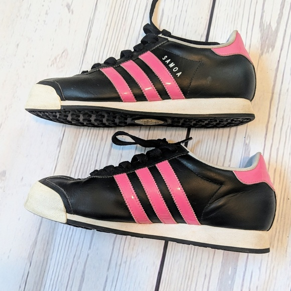 online store f482b deb53 adidas Shoes - ADIDAS Women s Classic Samoa Sneakers size 8